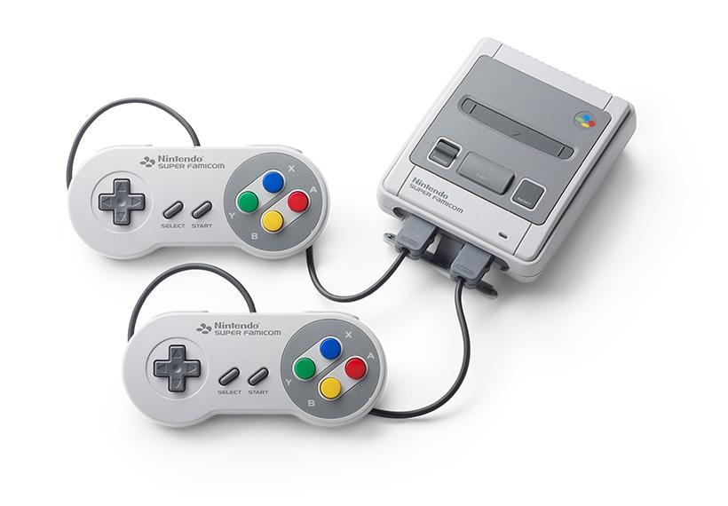 Os fijais en los conectores? parecen los de Wii que ya se usaron en la nes mini. Veremos como son al final ;)
